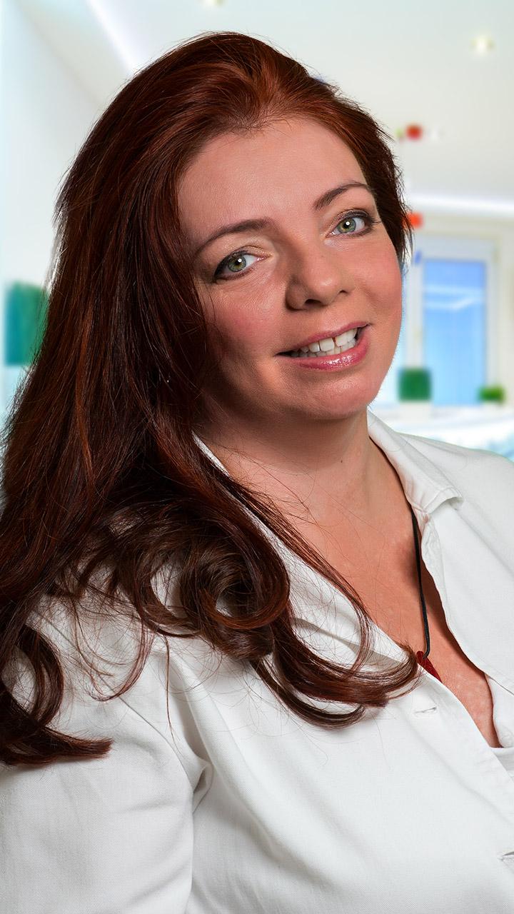 Dr. Timár Andrea